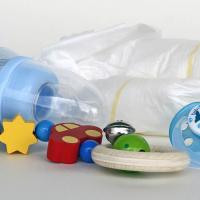 Ученые обнаружили запрещенные загрязнители в детских товарах