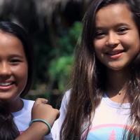 Две сестры-подростка добиваются запрета пластиковых пакетов на Бали