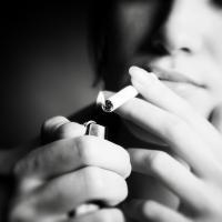«Беларусь осталась островком рая для курильщиков». Как табак убивает беларусов и уничтожает окружающую среду