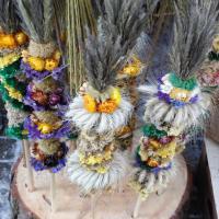 От пальмы из колосьев до зайцев из травы: три интернациональные примера пасхальной вербы и подарков из природных материалов