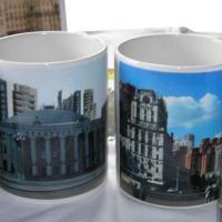 Минчане передали мэру сувениры с фотографиями уплотнённой столицы