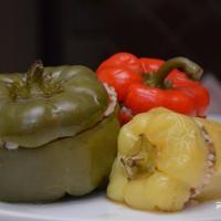 VeganFood: фаршыраваныя перцы гароднінай і рысам — смачны ўспамін з дзяцінства