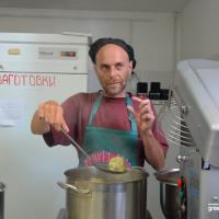 В гостях у «Кухни 12 обезьян» австриец Конрад: «У беларусов другие гастрономические предпочтения»