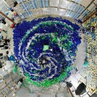 Русалки ненавидят пластик. Канадский фотограф переосмыслил проблему загрязнения океанов