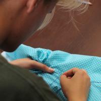 Экологичный лайфхак. Девушки из Минска выдали гродненцам иголки и нитки