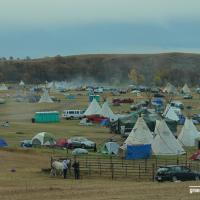 Снайперы на холмах и аресты по беларусской схеме: как индейцы Северной Дакоты победили нефтяное лобби