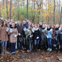 Активисты акции «Молодёжь за чистый край»: «Убирать грязь — не стыдно, стыдно жить в грязи»