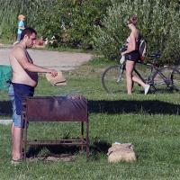 Где в Минске разрешено ходить в купальнике и жарить шашлыки?