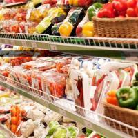 Французские супермаркеты обязали отдавать еду бедным