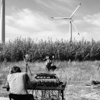 Группа Port Mone trio презентовала видео в честь Международного дня ветра