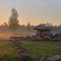 Чтобы создать музей, святые камни вывозят из исконных мест. Люди против