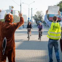 Догнать и накормить. В Минске прошла акция популяризации велосипеда