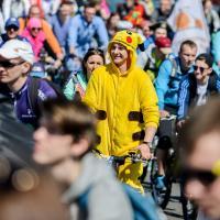 Ад 12 да 14,5 тысяч веласіпедыстаў сабраў мінскі парад «Viva Ровар»