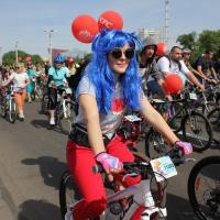 Бесконечное количество велосипедистов и Солодуха. Ищите себя на видео, фото и в стримах c Viva Ровар 2018!