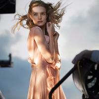 Супермодель Водянова стала лицом коллекции одежды «H&M» из переработанного пластика