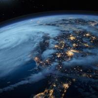 Какая связь между ураганом и экологически дружественным образом жизни?